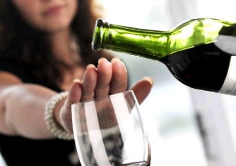 Изжога с похмелья – какой алкоголь можно пить при аномалии?