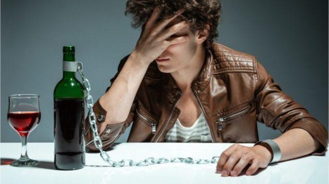 Сильные заговоры от пьянства и алкоголизма на воду в домашних условиях