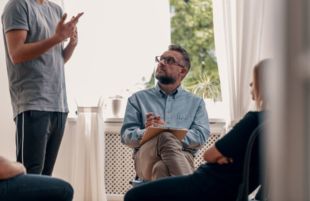 Методы, которые используются при кодировании от алкоголизма – какой из них лучше?