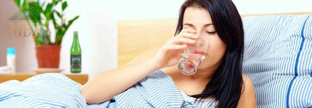 Минералка с похмелья – помогает ли минеральная вода при алкогольной интоксикации?