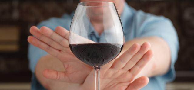 Тавегил и алкоголь – можно ли пить во время терапии препаратом?