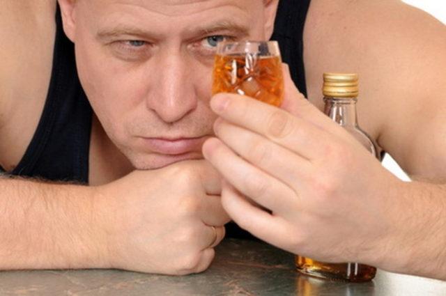 Можно ли при геморрое пить алкоголь?