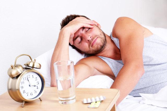 Головная боль с похмелья: почему появляется и как с ней бороться?