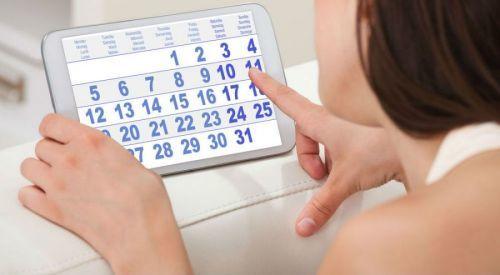 Алкоголь при месячных: можно ли пить во время менструации?