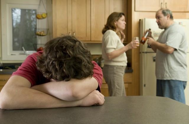 Отец алкоголик – что делать и как бороться с аномалией?