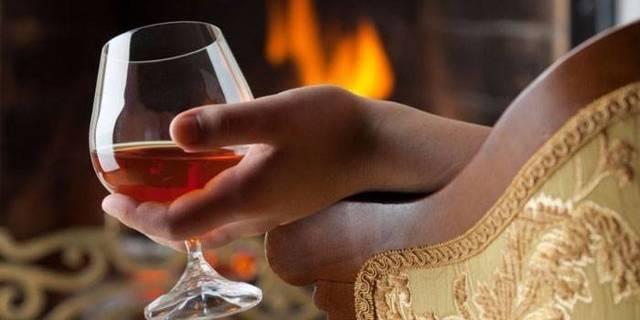 Алкоголизм у запойных пьяниц – как можно вылечить аномалию?