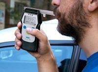 Предельно допустимая норма алкоголя в крови водителя з рулем в промилле.