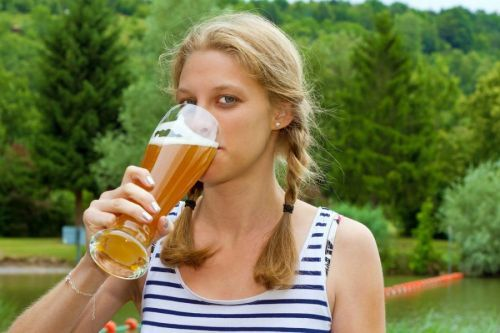 Пивной алкоголизм у мужчин и женщин – симптомы и лечение заболевания