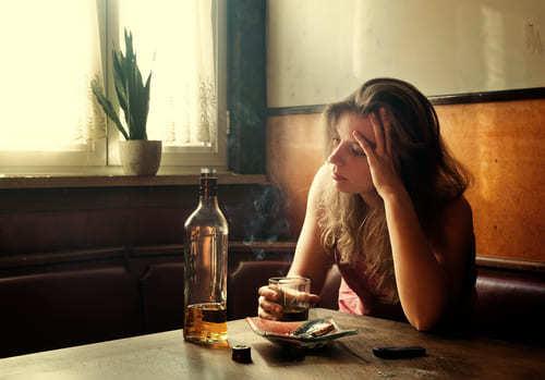 Признаки, стадии и лечение женского алкоголизма