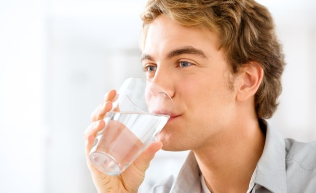Можно ли пить алкоголь, если болит горло при ангине?