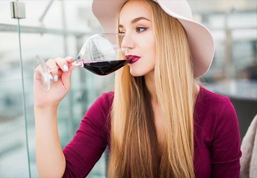 Можно ли пить алкоголь после перманентного макияжа бровей, а также перед?