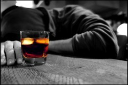 Гормоны и алкоголь – можно ли пить спиртное во время лечения?