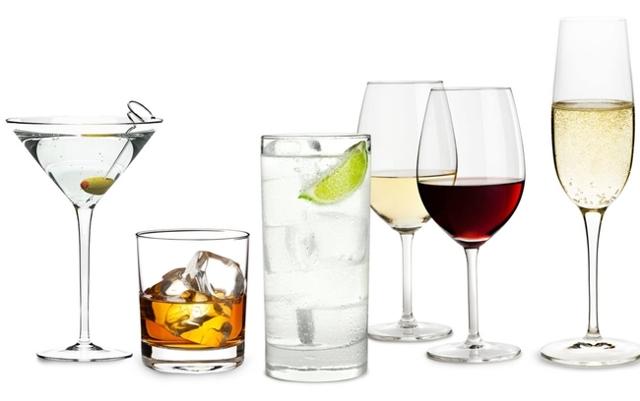 Какой алкоголь можно пить при диете и стоит ли совмещать похудение с выпивкой?