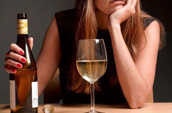 Уколы от бешенства и алкоголь – можно ли употреблять выпивку после инъекции?