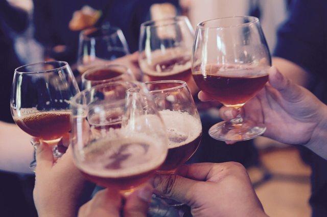 Симптомы алкоголизма на 1, 2 и 3 стадии. Алкогольная зависимость
