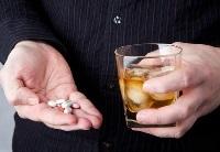 Можно ли совмещать Клостилбегит и алкоголь – как правильно принимать препарат?