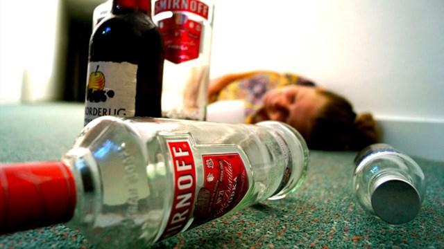Рвота при алкогольном отравлении – что делать в домашних условиях?